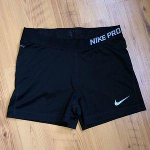 Nike Pros - size M